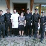 von links nach rechts: Simon Flecklin, Thomas Schelbert, Robert und Vroni Gisler (Wirtepaar Rest. Kaiserstock), Peter Krummenacher, Mathias Müller, Irene Schuler